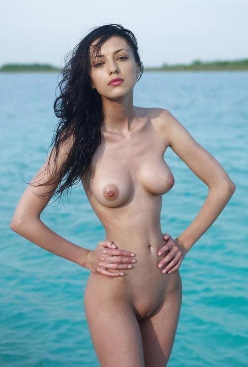 мадина садвакасова фото на пляже эро член пребывал