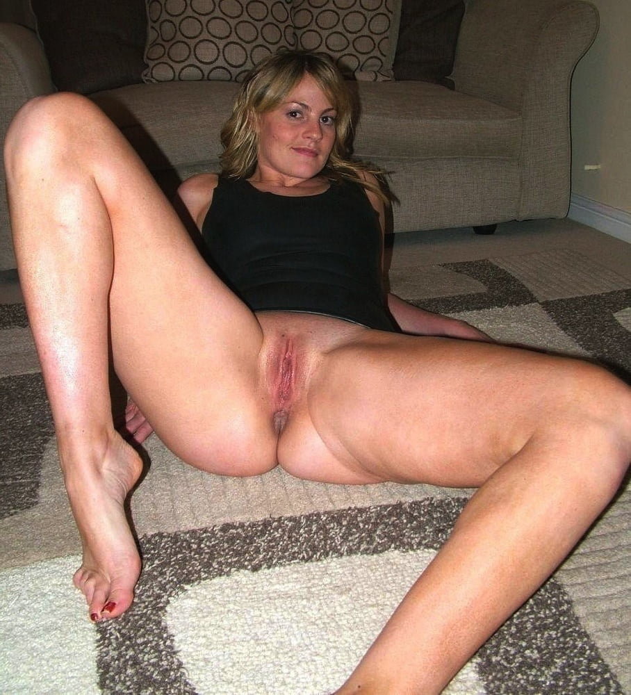 Hot Moms Vol. 1 - 61 Pics