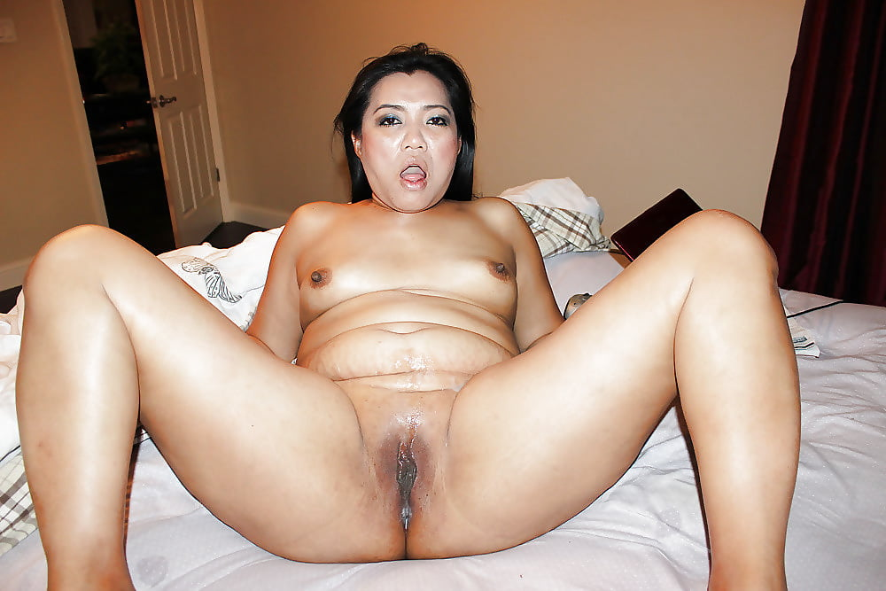 Sexy asian granny nit showing off her hot sexy curvy body