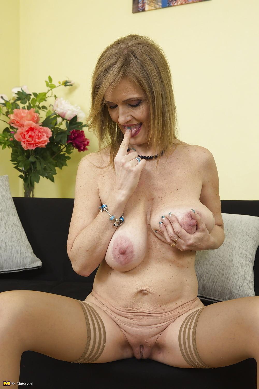 Sagging tits of porn