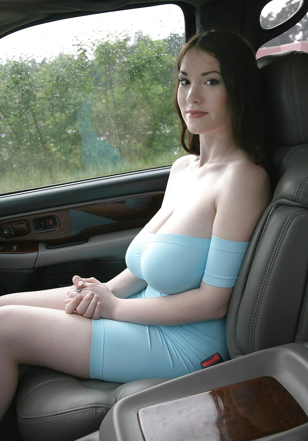 Naked chinese girl boobs