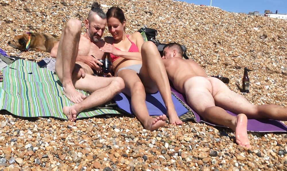 accidental-boners-she-loves-anna-nicole-smith-first-nude-photos