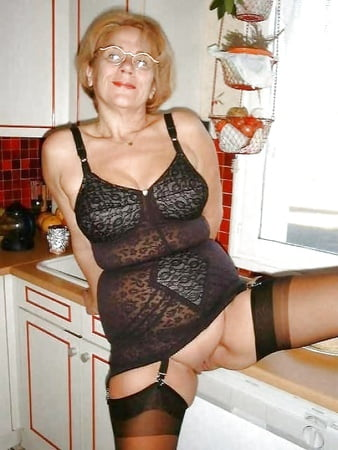 Granny girdle pics