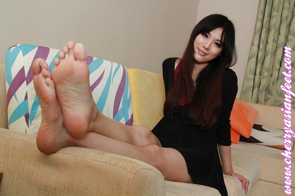Японки ножки фут фетиш фото