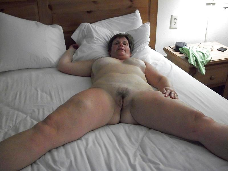 Naked sleeping stepdaughter gets good waking