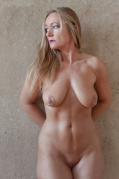 Sexy beautiful mature women — pic 4