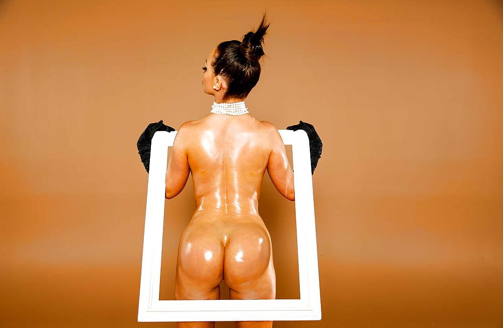 Hot naked yoga sent kim kardashian's hubby kris humphries packing