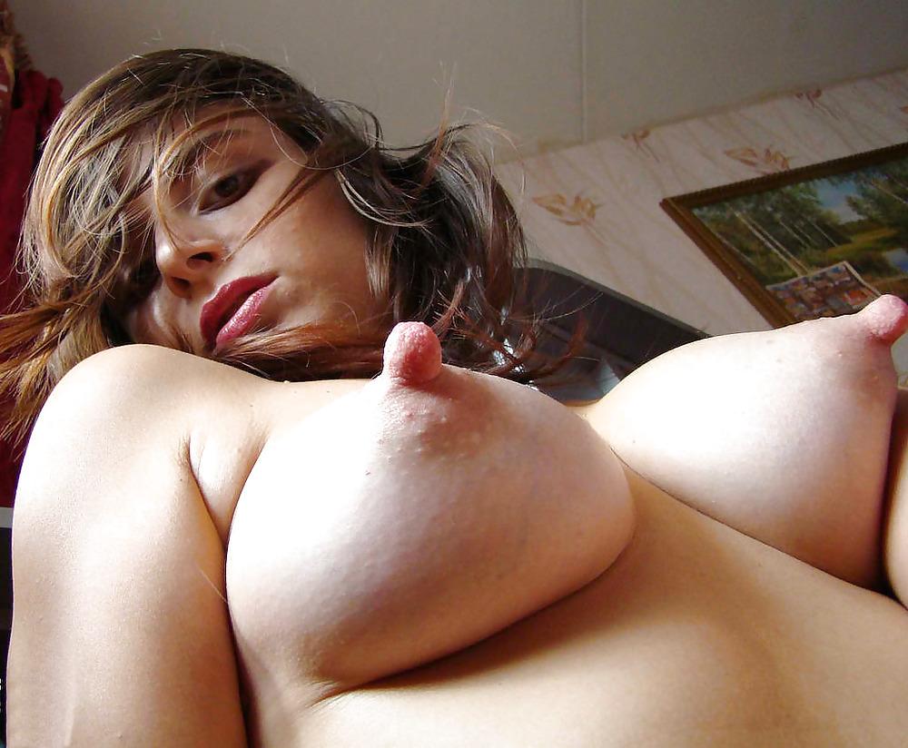 Busty Ebony Chick Shows Her Big Boob With Black Nipple