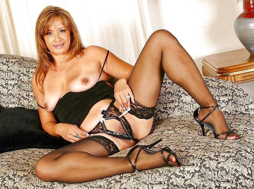 mature-sexy-naked-women-in-stockings-pornos-de-ninel-conde