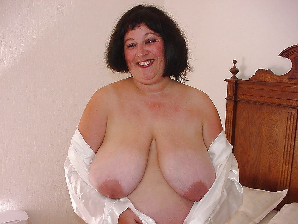 Milf hairy amateur dripping