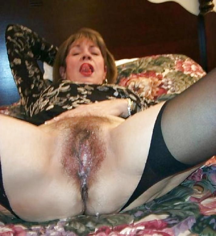 Hairy Pussy Creampie