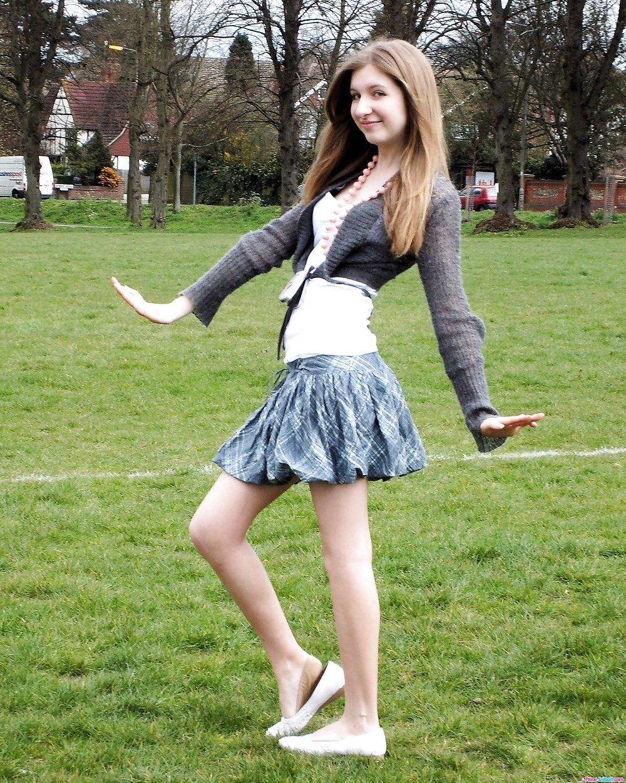 Teen girls wearing nothing, dildo use photos