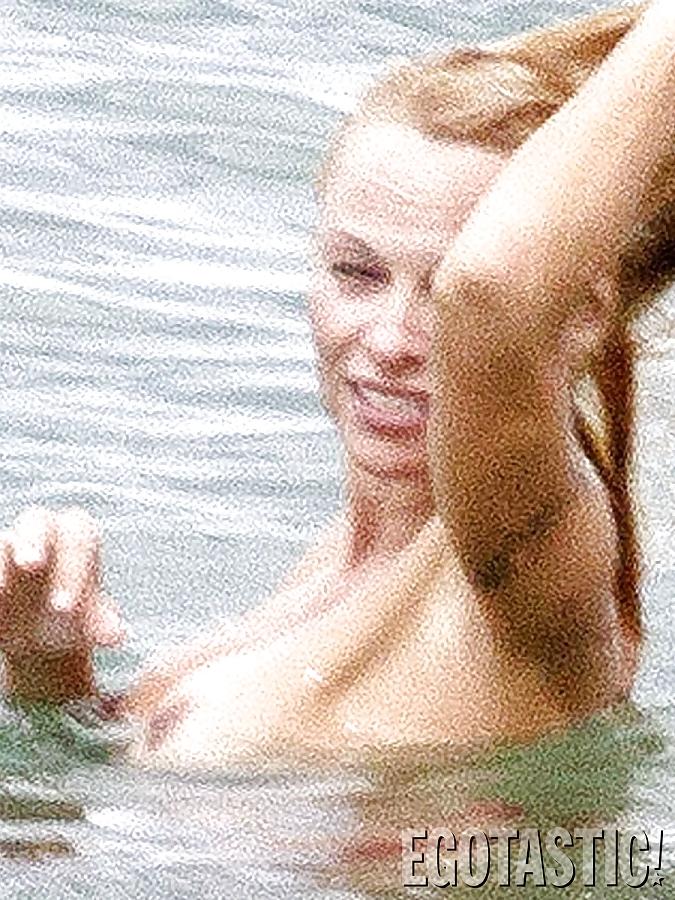 Pamela anderson topless photos