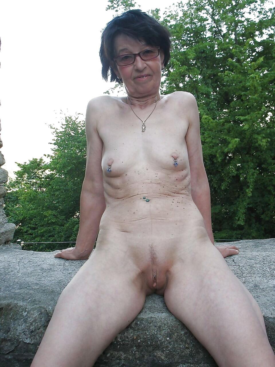 Fat ugly nude pics
