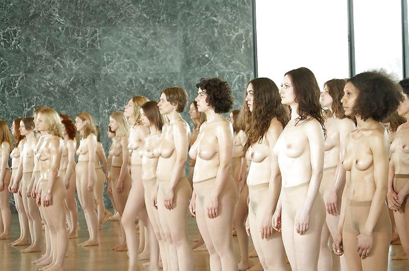 Голые женщины в гареме — pic 8