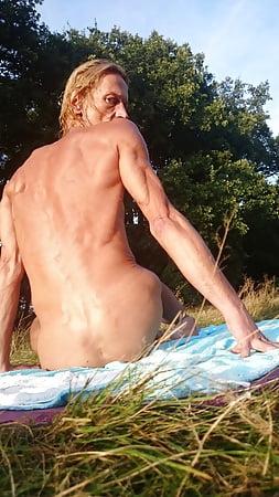 Nackt Schwimmen Fkk