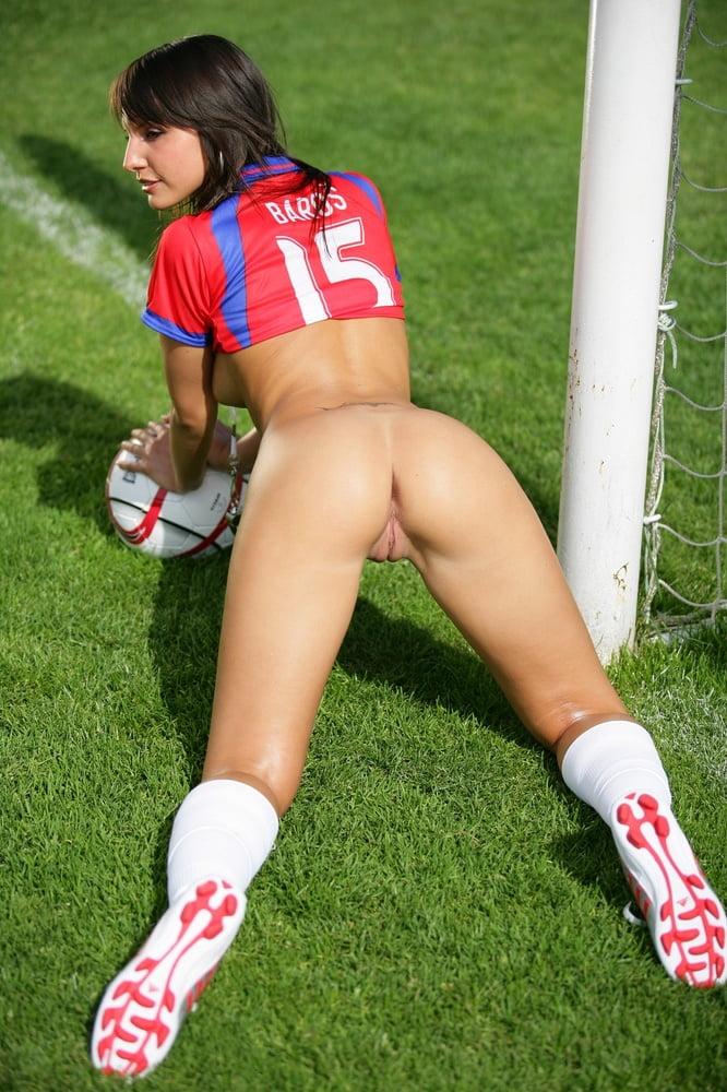 naked-latino-soccer