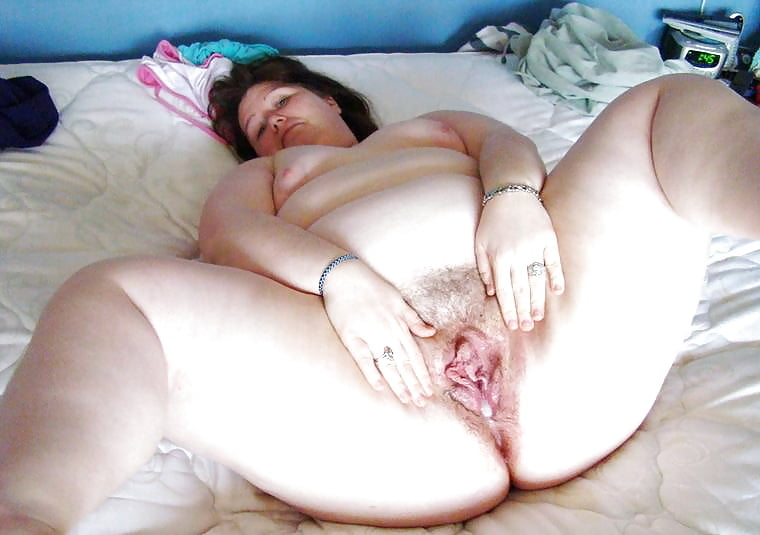 Fat hairy pussy creampie