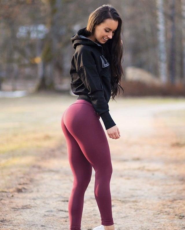 Korean girls in yoga pants