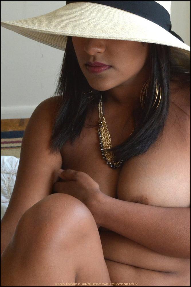 Sexy DESI Mature - 19 Pics