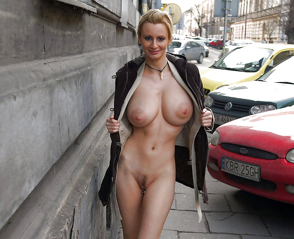 Watch Uk Milf Robyn Ryder In Boots Pix Free