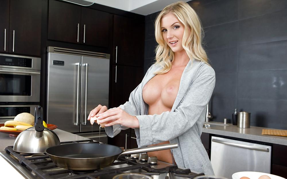 Эротика готовим еду обнаженными, русское фото девушек ххх