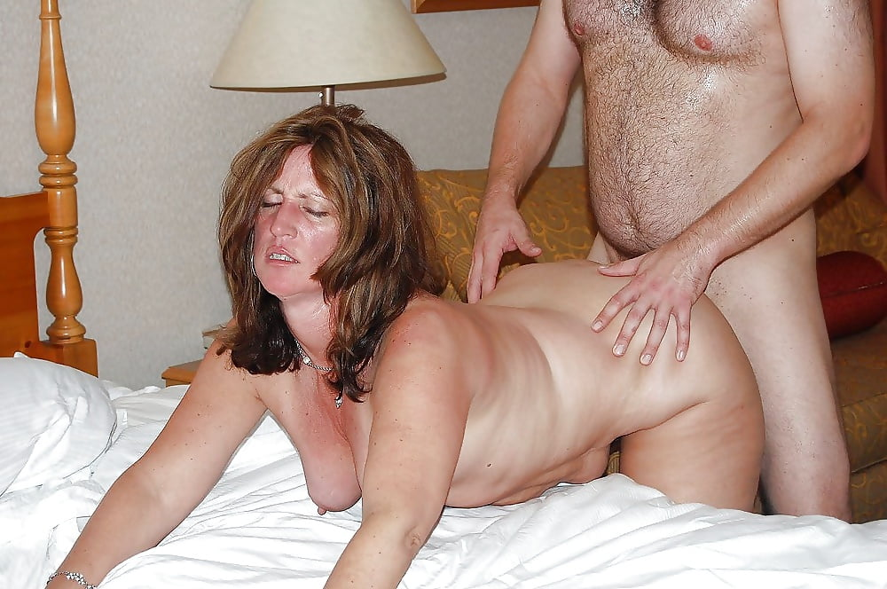 Slutty milf sucks gets fucked