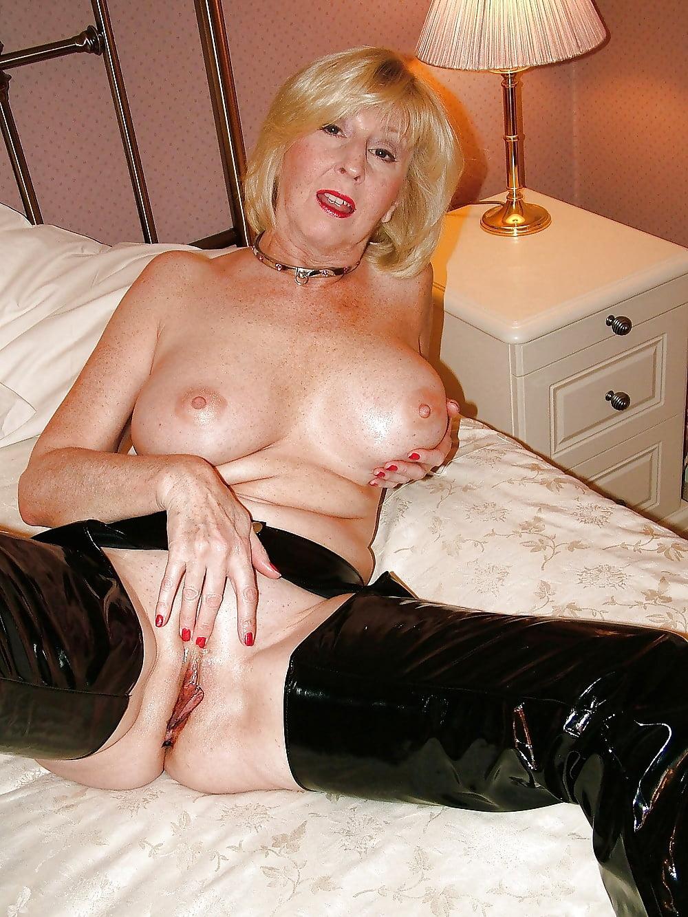 glamour-grandma-porn-free-porn-theater-sex-video