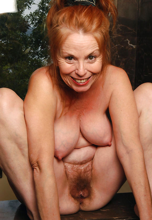 red-haired-old-lady-pussy