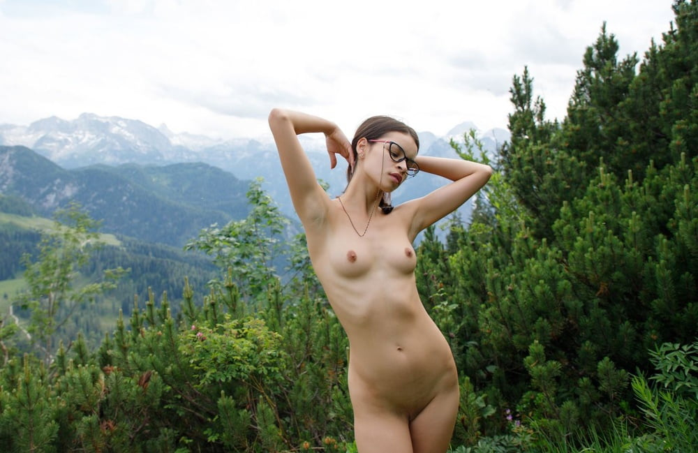 Ryanne a sexy flattie in the mountains- 77 Pics
