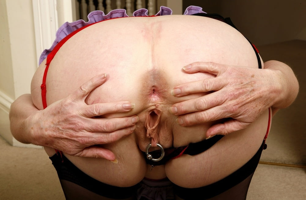 stretched-granny-anus