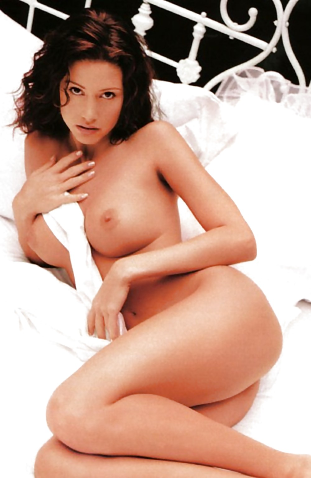 Shannon elizabeth bent over nude, sexy school girls amateur pics