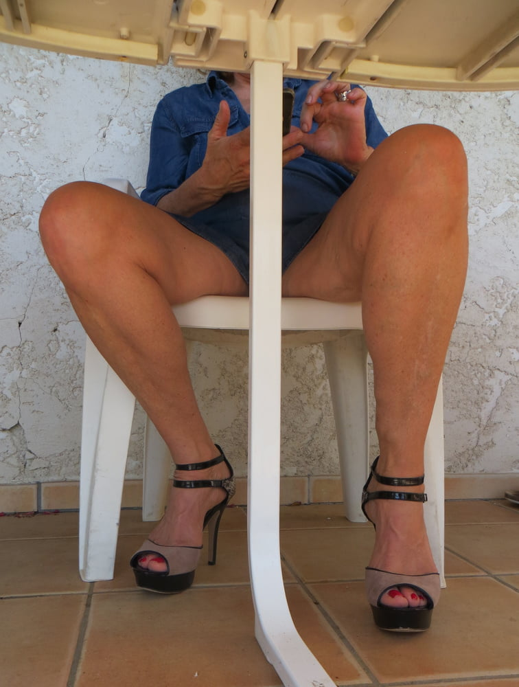 Summer heels of Cinderella in the south of France - 17 Pics