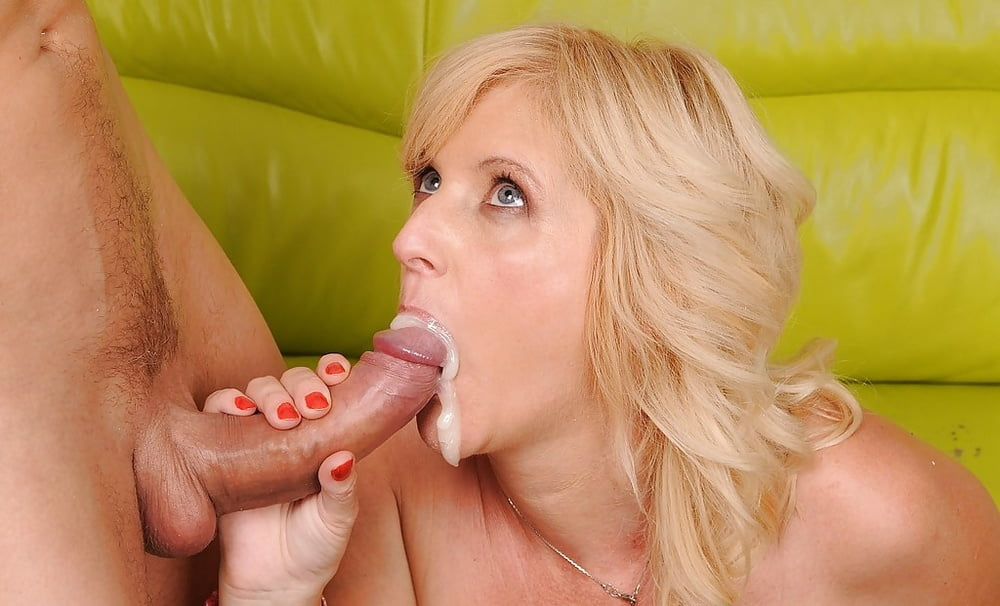 Blonde Sweetheart Wants You To Dump Cum In Her Teen Mouth 4tube 1