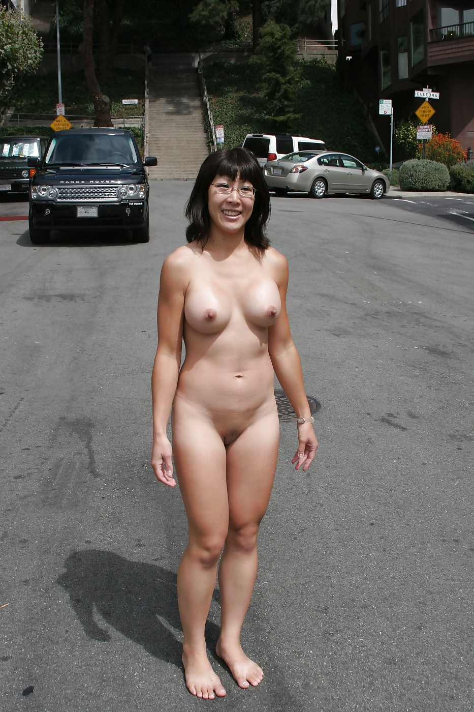 Naked ladies in public places-3094