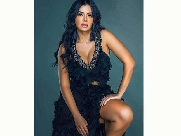 nackt Youssef Rania Rania Youssef