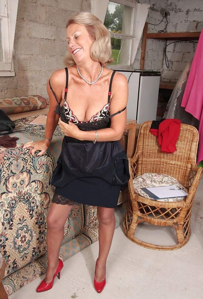 Nude german mom — photo 15