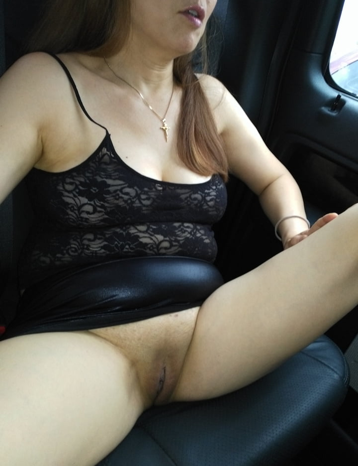 amateur flash nude there