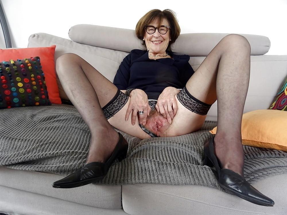 Granny hd porn pics