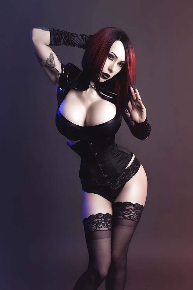 Gothic girl tits