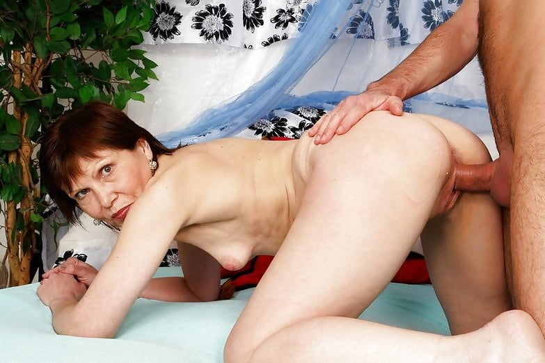 сайт покажет фото порно анал с худыми пожилыми дамами оговорюсь