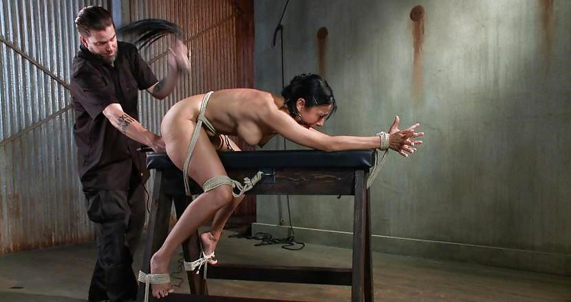 порка жесткая услуги рабыни стал