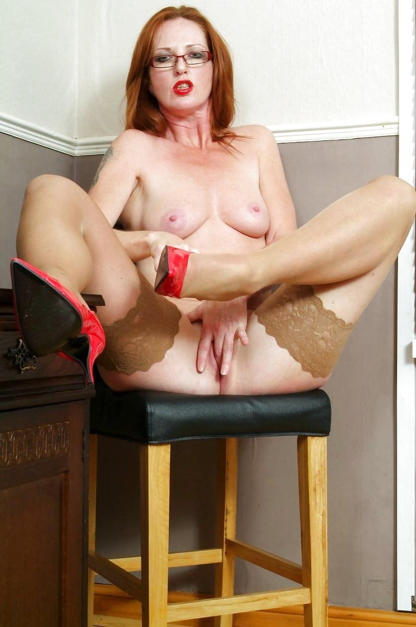 redhead-wife-nude-in-heels-army-big-bootyporn