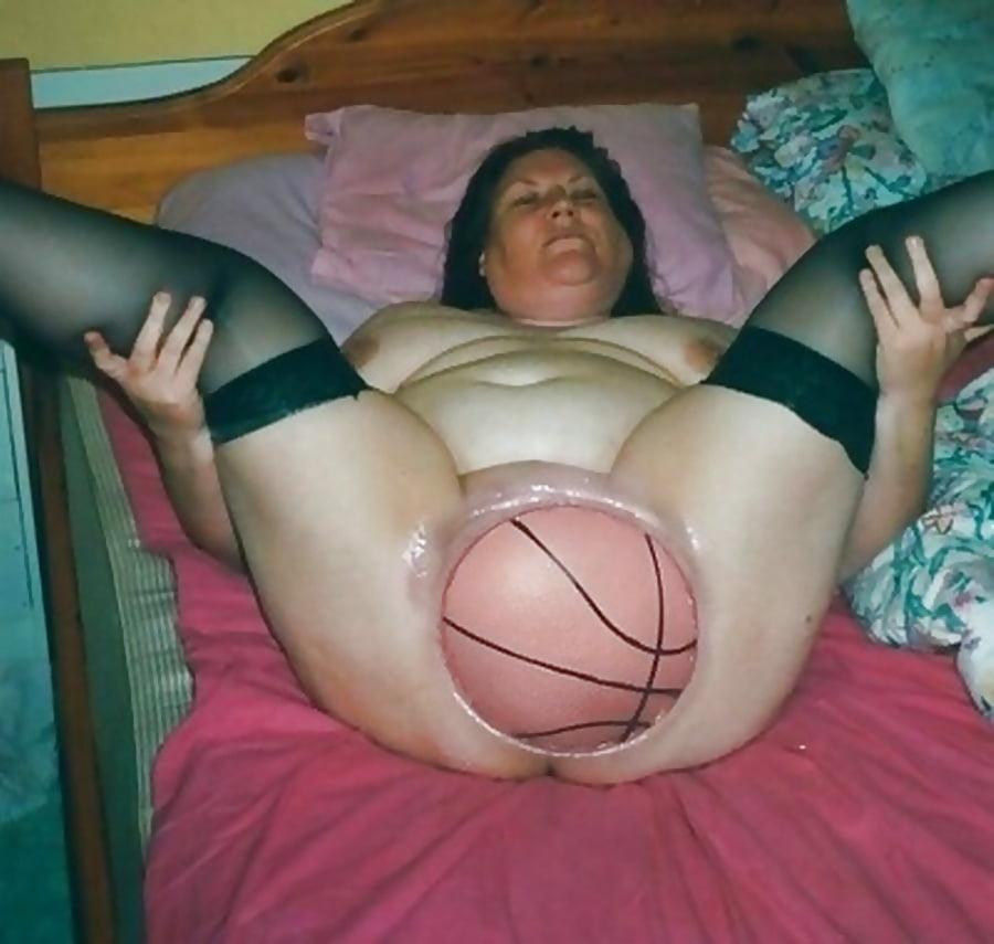 zhutkoe-porno-so-stremnoy-baboy-foto-pisayushih-nevest