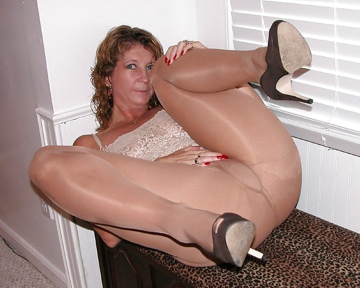 Free Porn Fully Fashioned Nylons Pics
