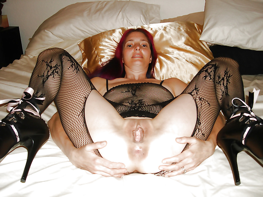 Wives spreading legs nude — img 7