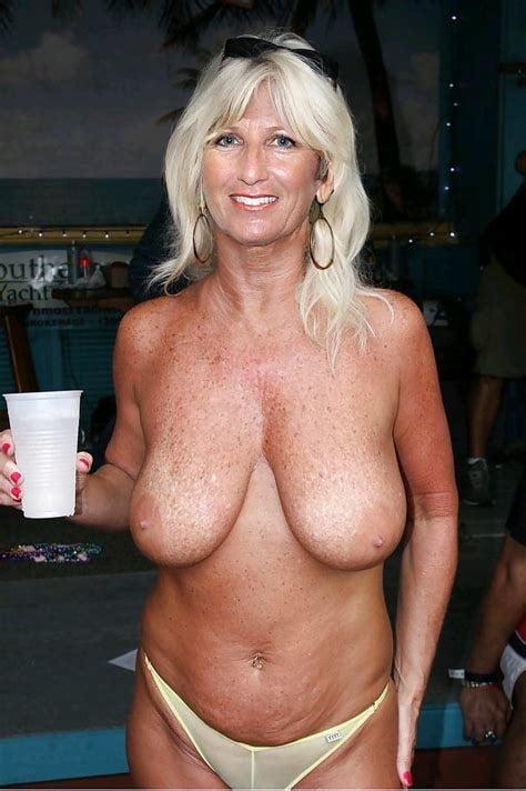 Tits granny pic, free women gallery