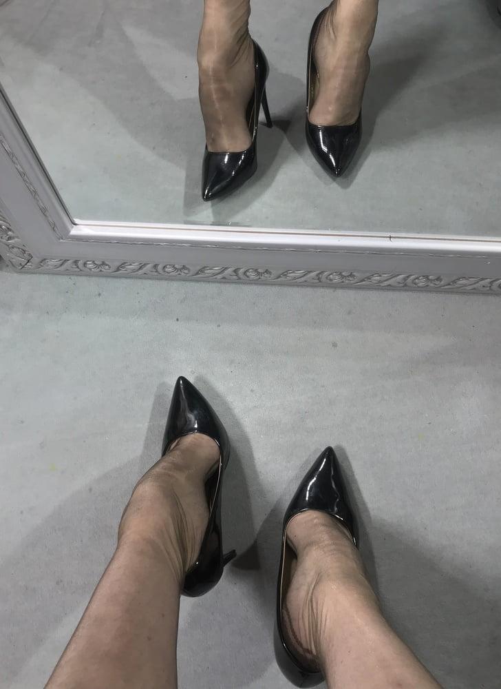 Rht stockings feet - 9 Pics