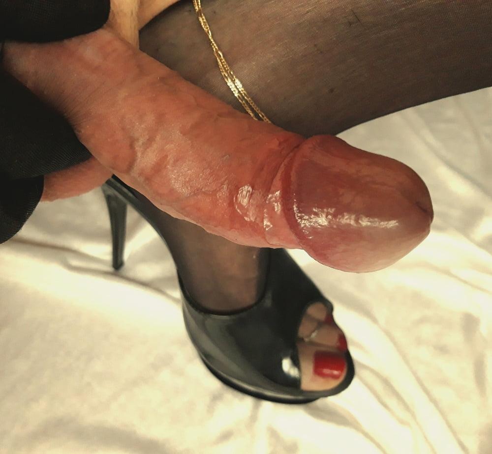 Free pics footjob high heels
