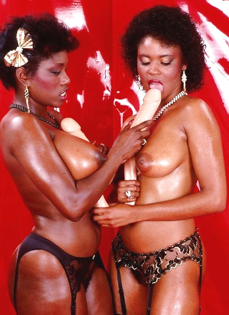 ebony-ayes-lesbian